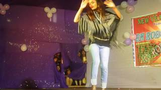 Current Lagla Roshni Karn Dance Peromance(RN ROBO DANCE CLUB New Year Program 2017)