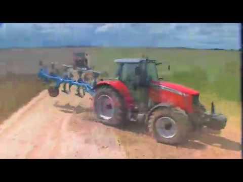 Ciągniki traktory rolnicze Massey Ferguson seria 6400 Dyna6 i 7400 DynaVT traktor ciągnik MF