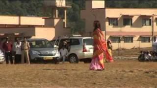 Making of the Song - Bekhabar (Action Replayy)