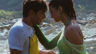 Sarah Flirts With Vijay - Say Yes To Love