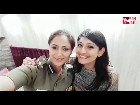 Actress Simran Wishes Happy #WomensDay To All Lovely Mothers Sisters Daughters | Reel Petti