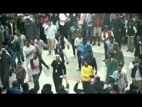 Flash mob at avenues mall kuwait orignal version the best flash mob i ever seen