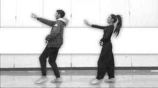 Mere Rashke Qamar | Nusrat & Rahat Fateh Ali Khan | Indian Bhangra Jhoomar Dance