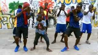 Ghanaian youth show their Azonto dance moves
