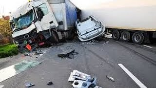 Amazing Truck Accidents Truck and Bus Crash Compilation 2015