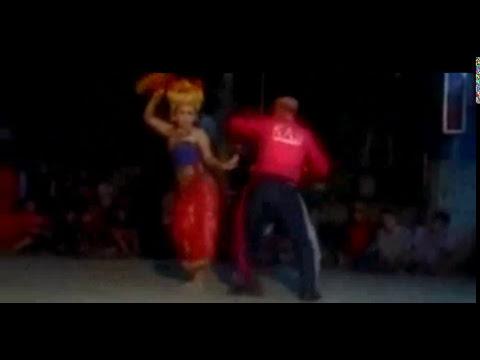 Dance indigenous in bali , customary bumbung , dance sensual indonesia!!