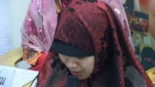 Emotional Filipina Embraces Islam تعتنق الإسلام مؤثر جدا