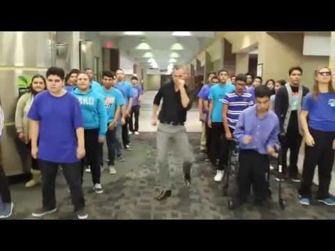 Uptown Funk Bruno Mars Mark Ronson Profesor y alumnos bailando en la escuela ¡Buenazo