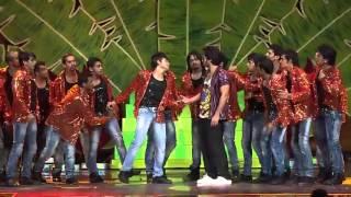 Shahid kapoor performing At iifa Awards 2012
