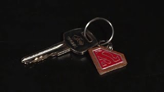 كيفاش تقاد بورطكلي ديال Key chain Superman