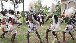 Elgon Ngoma Troupe - Kadodi Imbalu Dance - The Singing Wells project