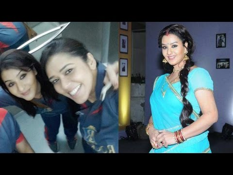 Angoori Bhabhi is very glamrous in real life