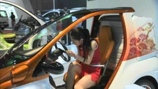Sexy Girls at Tokyo Motor Show 2011