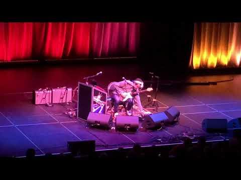 John Mayer talks guitar pedals