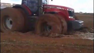 trator massey ferguson 8690 DYNA VT atolado !! / Tractor Massey super stranded !!