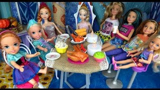 THANKSGIVING Celebration ! Elsa & Anna toddlers -  Turkey - Food