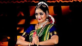 Kavya Madhavan performing Bharatanatyam Dance at Nishagandhi Festival (2)