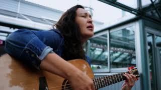 Leela Gilday Plays the MacKenzie & Marr Canadian Songwriter