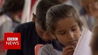 Children of Karachi: From the streets to education - BBC News