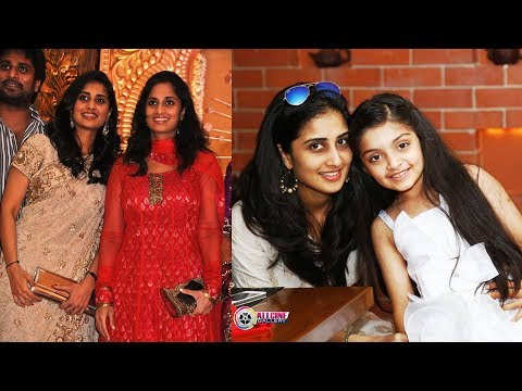 Actress Shamili Family Photos - Shalini's Sister Shamlee Pics