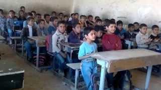 طريقة جديدة للتدريس في احدى المدارس العراقية