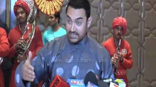 Aamir Khan Wears Traditional Chinese Outfit Gifted By Jackie Chan:PK Success Bash