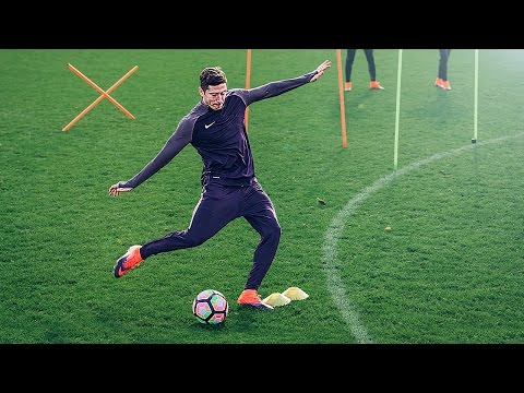 Download Lewandowski vs freekickerz vs Aubameyang - Football Challenge