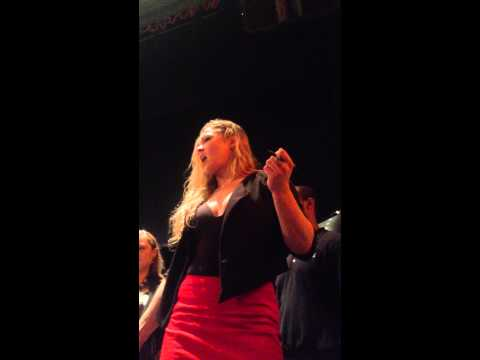 Ronda Rousey yells at UFC fan for asking question about sex