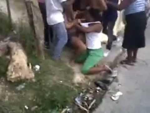 super pelea de mujeres 2013 Ni Cuanta Galleta y Estrañones se dan esta mujeres