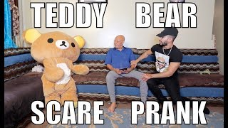 TEDDY BEAR SCARE PRANK ON MY DAD!! *hilarious*
