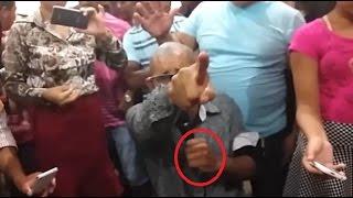 Pastor é desmascarado | A cobra que sai dos intestinos