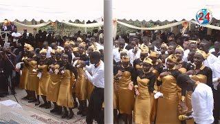 Wanafunzi(ST. Joseph) wavyoimba Unconditionally Bae ya Sauti Sol na Alikiba