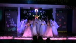 13-Mua-Vui-Don-Tin-Lanh-NganhNu-GDPT-Duc-Hue.avi