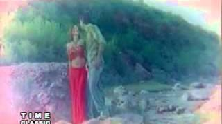 hot girl sexy wet saree song