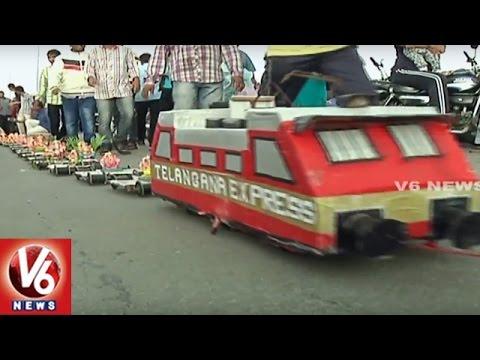 Xxx Mp4 Lord Ganesha On Train Creative Ganesh Idols Ganesh Immersion In Hyderabad V6 News 3gp Sex