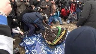 Russia: huge chunk of Chelyabinsk meteor recovered from lake