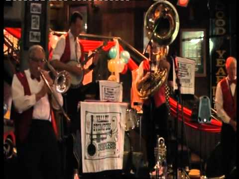 Valley Stompers play Avalon.avi