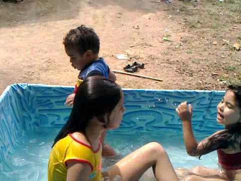 meu primeiro banho de piscina