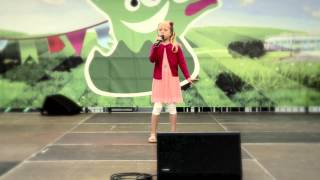 Linnea The Voice Kids singt Part Of Your World beim festival4family