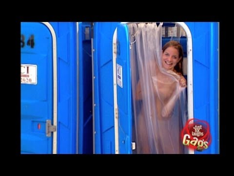Sexy Girl Public Shower Prank