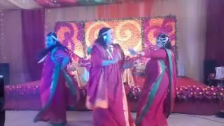Holud dance  at emon vaiea and rinky vabi's holud. Ashona, kajrare, dhakai shari, bolechuriyea