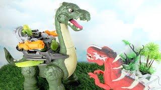 Dinosaurs Toys Hunt - Apatosaurus Toy Review! Dinosaurs Battle T-rex Showdown. kids fun video.