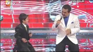مواهب طفل يغني افضل من ابراهيم تاتلس
