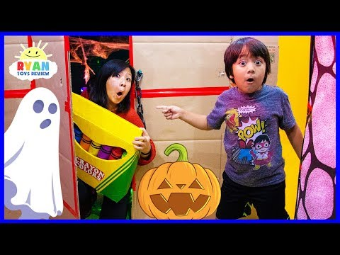 Ryan s Giant Crayons Lost in Halloween Box Fort Maze Learn Colors
