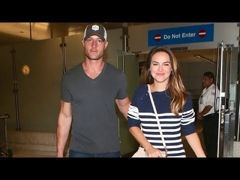 Xxx Mp4 Justin Hartley And Fiancee Chrishell Stause Arm In Arm At LAX 3gp Sex