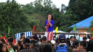 Mizo singer Zualbawihi singing at Thalfavang Kut
