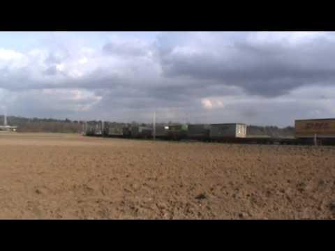 Railpool/Floyd 185 xxx-x mit Silowagen und 152 150-3 mit KLV bei Walluf