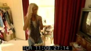 The Simple Life DVD Extra - Paris And Nicole Packing