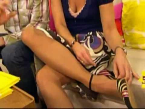 Marlene Lufen präsentiert ihr Füsse im Frühstücksfernsehen in High Heels