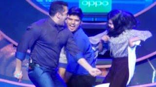 Don't Miss: Salman Khan's Towel Dance On Jeene Ke Hain Chaar Din!